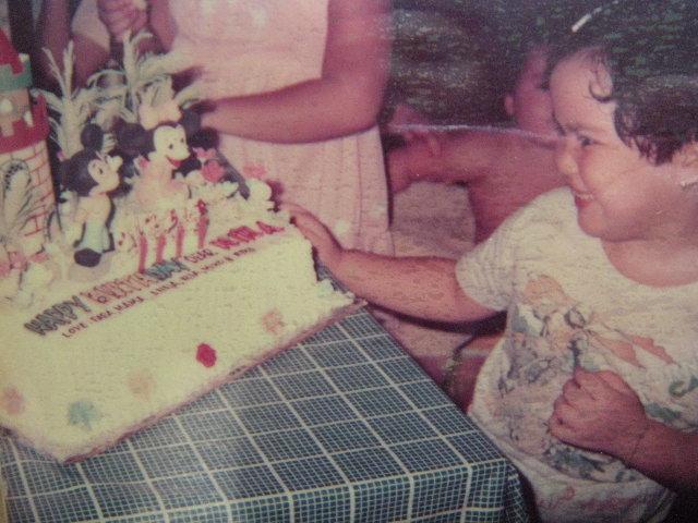 Nina mickey cake